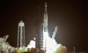 [Video] SpaceX phóng tên lửa mang vệ tinh viễn thông