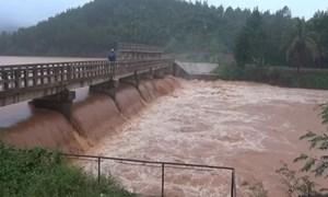 [Video] Đập thủy điện ở Đăk Nông có nguy cơ vỡ, 200 hộ dân phải sơ tán