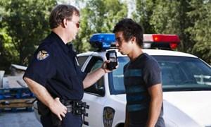 Ô tô bán tại Mỹ sẽ phải có thiết bị phát hiện lái xe say xỉn
