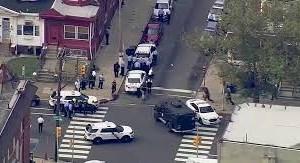 [Video] Góc nhìn khác về vụ đấu súng làm 6 cảnh sát bị thương ở Mỹ