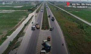 [Video] Ôtô đi ngược chiều trên cao tốc Hà Nội – Bắc Giang