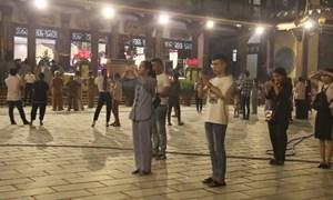 [Video] Người dân đổ về các chùa dự lễ Vu Lan báo hiếu