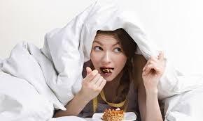 [Video] Ăn khuya có thực sự làm bạn béo lên?