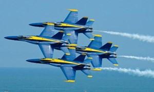 [Video] Thót tim cảnh hai tiêm kích Mỹ va chạm trên không