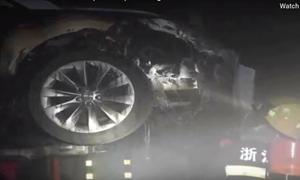 [Video] Thêm một trường hợp cháy xe Tesla khó hiểu