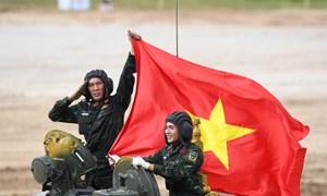 [Video] Xem màn trình diễn xuất sắc trong ngày ra quân của đội xe tăng Việt Nam
