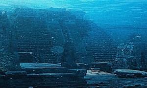 [Video] Kim tự tháp bí ẩn chìm dưới đáy biển