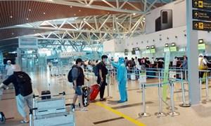 Cục Hàng không Việt Nam yêu cầu các hãng hàng không dừng bán vé nội địa