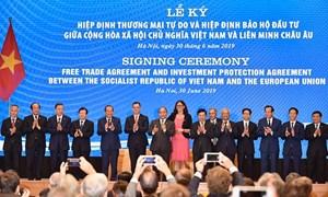 Phát triển kinh tế vì một nước Việt Nam dân giàu, nước mạnh, xã hội công bằng, dân chủ, văn minh