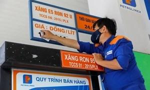 Giá xăng dầu giằng co bởi nhiều diễn biến trái chiều