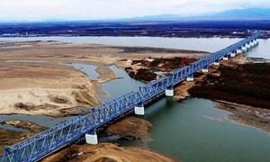 [Video] Cận cảnh cầu đường sắt xuyên biên giới Nga - Trung Quốc bắc qua sông Hắc Long Giang