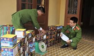 [Video] Bắt giữ 2 đối tượng vận chuyển 20 kg pháo hoa