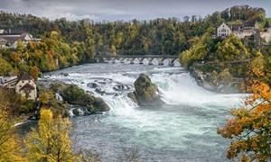 [Video] Cảnh sắc mùa thu ở thác nước lớn nhất châu Âu