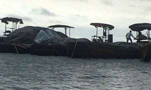 Điều tra 2 vụ vận chuyển 950 kiện thuốc lá vận chuyển trên biển
