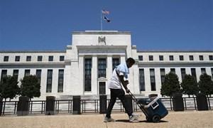 Quan chức Mỹ: Fed cần duy trì lãi suất gần 0% trong ba năm tới