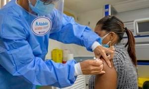 Cuba chuẩn bị mở cửa kinh tế nhờ tăng tốc tiêm vắc xin phòng COVID-19