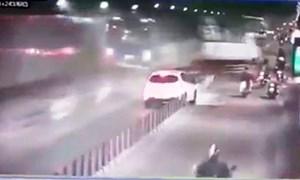 """[Video] Camera ghi lại thời khắc xe tải """"đại náo"""" hầm Thủ Thiêm"""