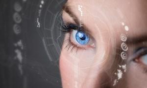 [Video] Kính áp tròng thông minh: Chụp ảnh, quay video chỉ bằng một cái chớp mắt