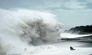 [Video] Siêu bão mạnh nhất 60 năm qua tấn công Nhật Bản, gây hàng chục thương vong
