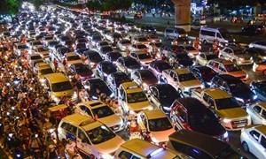 [Video] TP. Hồ Chí Minh tăng phí cấp mới biển số ô tô, xe máy
