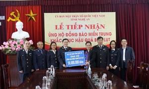 Cục Hải quan Nghệ An chung tay chia sẻ khó khăn với đồng bào miền Trung
