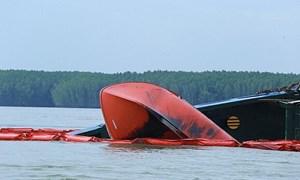 [Video] Khẩn trương lên phương án trục vớt tàu container chìm tại Cần Giờ
