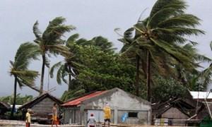 [Video] Bão lớn đổ bộ Philippines: 70.000 người sơ tán, ít nhất 8 môn thi SEA Games bị thay đổi