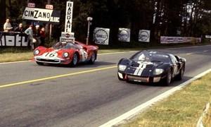 [Video] Cuộc đối đầu khốc liệt giữa 2 thương hiệu Ford và Ferrari