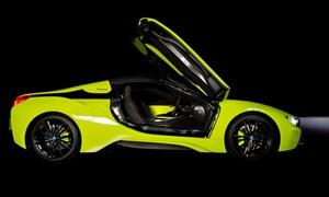 [Video] Cận cảnh chiếc BMW i8 Roadster màu xanh neon đặc biệt