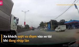 [Video] Xe khách lao ra đường ẩu, suýt va chạm với xe tải