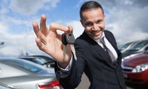 Thu nhập bao nhiêu thì tự tin đi xe hơi?