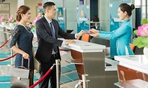Nâng hạng Titan cho chủ thẻ Vietcombank Vietnam Airlines American Express