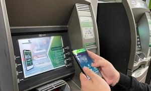 Giao dịch thông minh với dịch vụ rút tiền mặt bằng mã QR tại Vietcombank