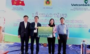 Vietcombank hỗ trợ 30 tỷ đồng xây nhà cho hộ nghèo, khó khăn tại Thanh Hóa