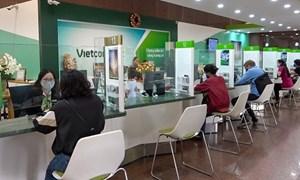 Vietcombank giảm lãi suất cho khách hàng vay bị ảnh hưởng của dịch Covid-19.