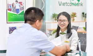 Vietcombank giảm lãi suất giai đoạn 3 cho khách hàng bị ảnh hưởng bởi dịch Covid-19
