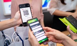 Vietcombank ra mắt dịch vụ chuyển tiền nhanh 247 bằng mã QR