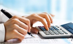 Xác định doanh thu làm căn cứ nộp lệ phí môn bài đối với hộ, cá nhân kinh doanh