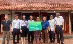 Vietcombank Vĩnh Phúc tặng kinh phí xây dựng nhà đại đoàn kết