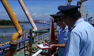 Siết chặt quản lý xăng dầu nhập khẩu