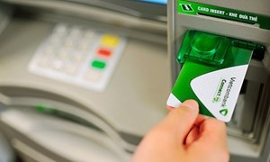 Vietcombank miễn phí đổi thẻ Connect24 phiên bản Chip Contactless