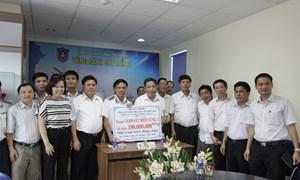 Lãnh đạo DATC thăm và tặng quà cho cán bộ chiến sỹ cảnh sát biển, kiểm ngư