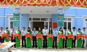 Vietcombank trao tặng công trình trạm y tế cho xã Quảng Trạch