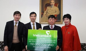 Vietcombank trao tặng 110 triệu đồng cho thương bệnh binh trong dịp Tết