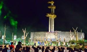 Vietcombank ủng hộ 5 tỷ đồng xây dựng tượng đài Thanh niên xung phong
