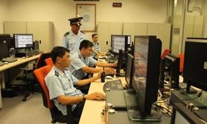 Hải quan Hà Nội: Bắt giữ 07 tượng kim loại vàng