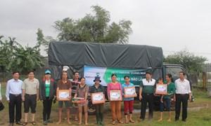 Vietcombank Quảng Ngãi tham gia cứu trợ vùng thiên tai