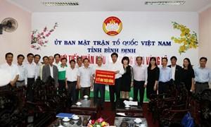 Vietcombank ủng hộ đồng bào lũ lụt tỉnh Bình Định 1 tỷ đồng