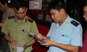 Lực lượng chống buôn lậu Tổng cục Hải quan tóm gọn 6 xe hàng lậu