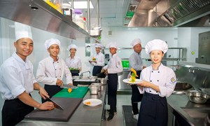 Phát triển giáo dục nghề nghiệp theo mô hình liên kết nhà trường - doanh nghiệp